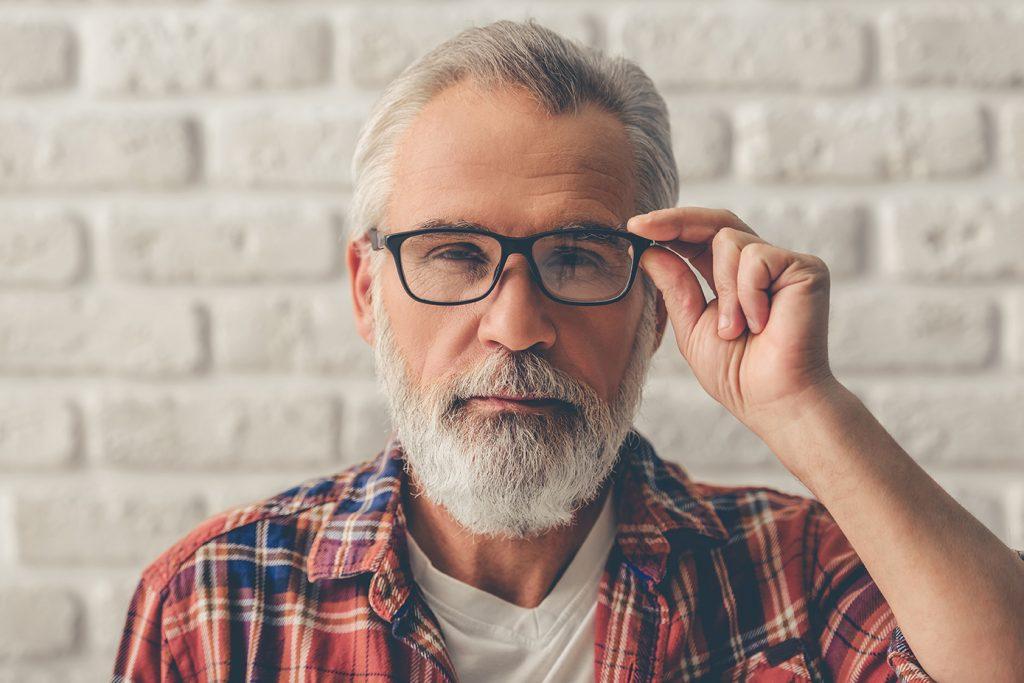 08a376e57 Entre os 40 e os 49 a visão perde qualidades e torna-se imperativo usar  óculos.